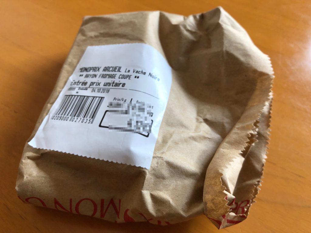 チーズのラベルにはrayon fromage coupéの文字