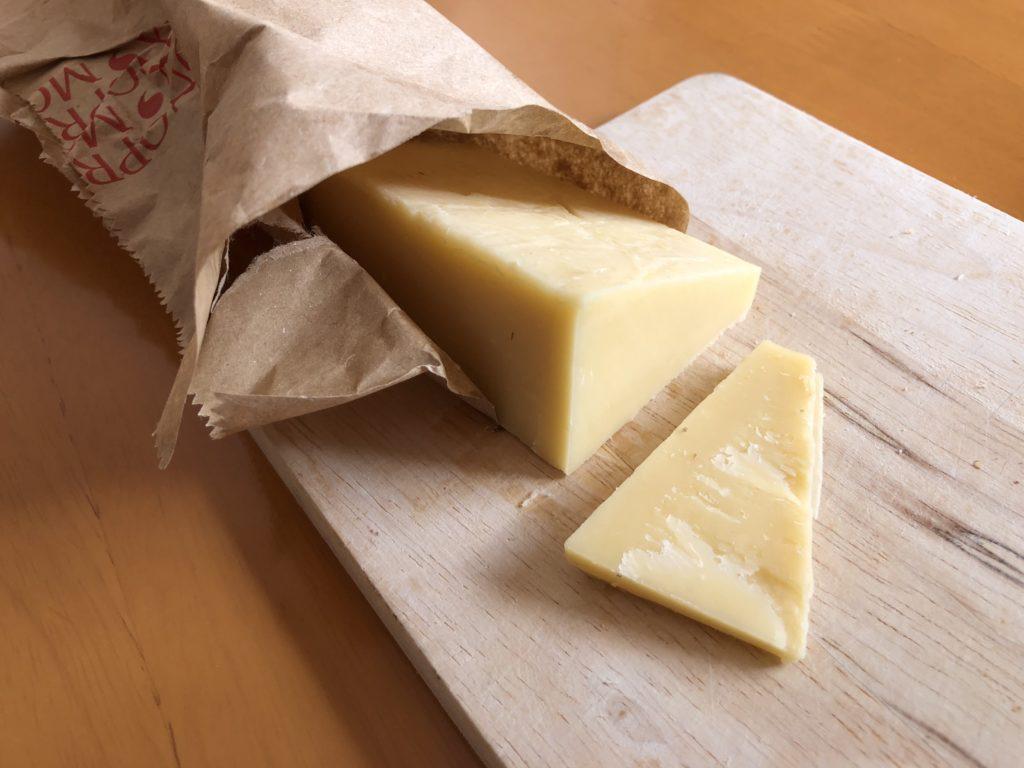 熟成されてアミノ酸の味を感じるおいしいチーズ