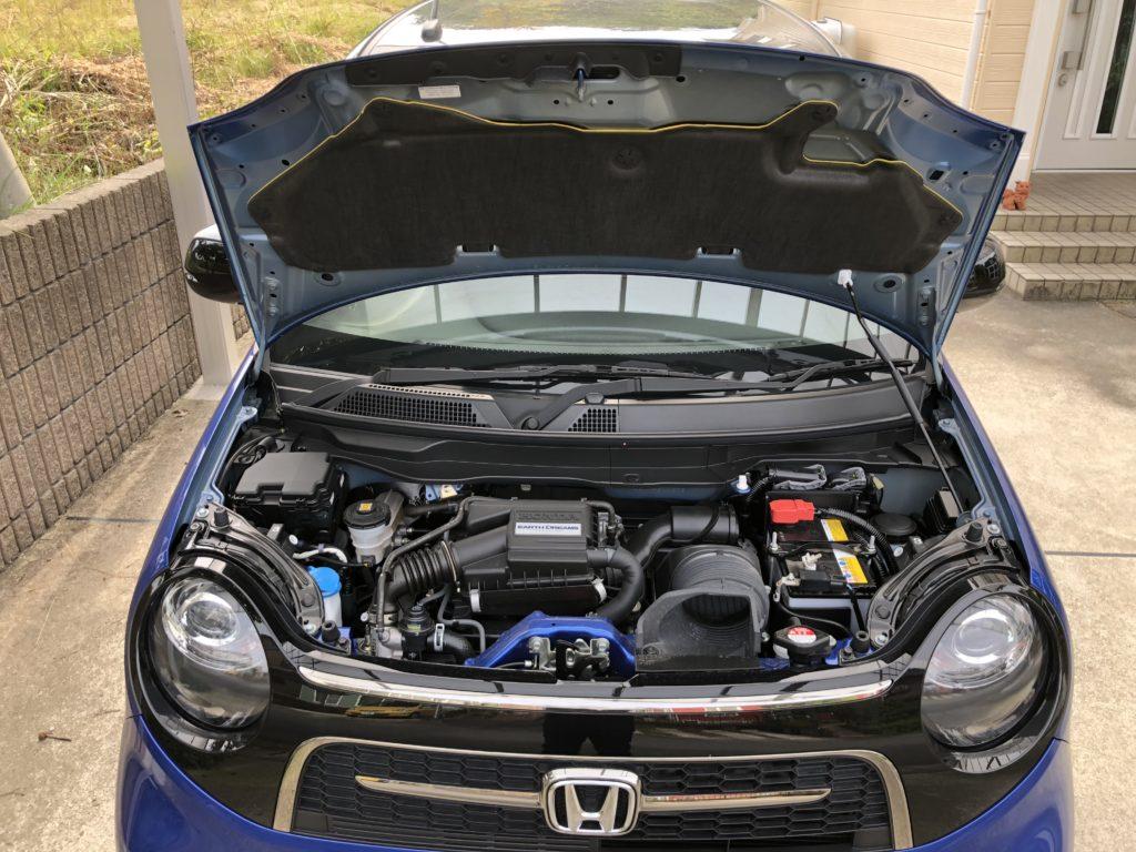 静粛性の高いN-ONE RSのエンジンルーム